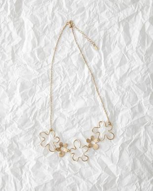 Gold flower Motif Necklace見る