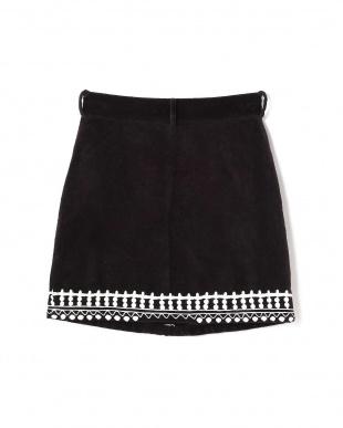 BLACK1 刺繍入りボックススカート R/B(バイイング)見る