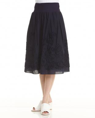 ブラック  モチーフスカート見る