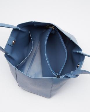 ライトブルー  タックトートバッグ  ストラップポーチ付見る