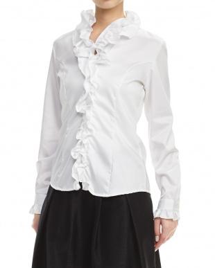 白  長袖フリルシャツ見る