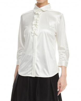 白  パールビジューフリルネックシャツ見る