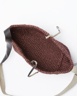 ブラウン系 サイザル×シェル手編みショルダーバッグ見る