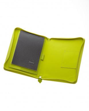 ライムグリーン サフィアーノジップ タブレットケース ラージサイズ見る