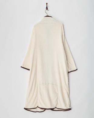 クリーム  あったか着る毛布見る