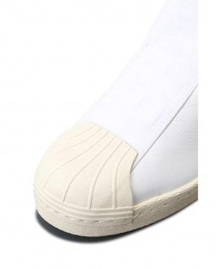 WHITE adidasスリッポン R/B(バイイング)見る