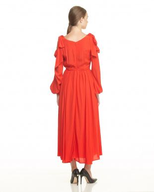 RED RAYON CREPE COLD SHOULDER DRESS見る