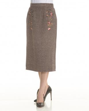 ブラウン  刺繍ヘリンボーンスカート見る