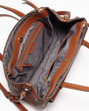 ブラウン  SOHO Shoulder Bag/FIORELLI WOMEN見る