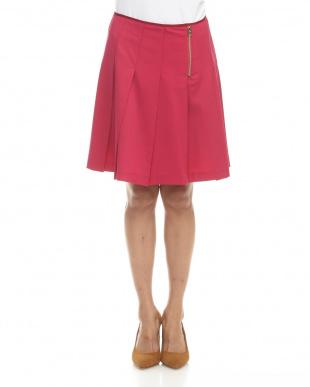 ピンク  スカート見る