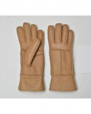 ベージュ  天然ムートンの手袋見る
