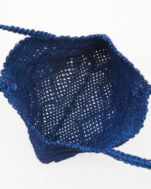 ブルー  ラフィアの透かし編みバッグ見る