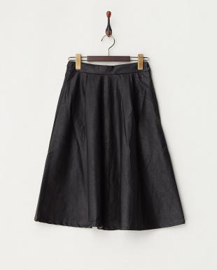 黒 フェイクレザーフレアスカート見る