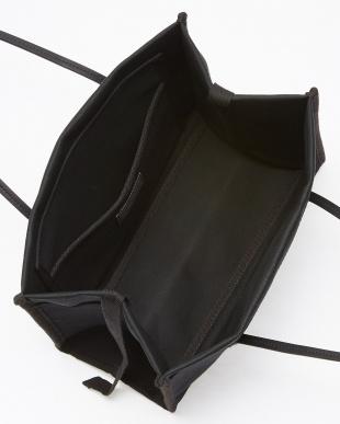ブラック キューブトートバッグ見る
