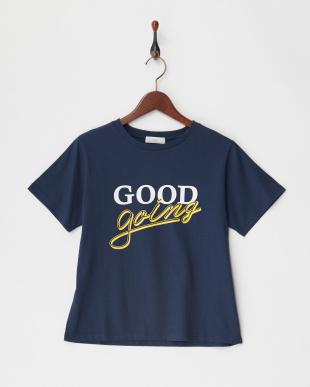 ネイビー プリントTシャツ見る