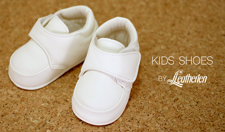 KIDS SHOES BY レザリアン
